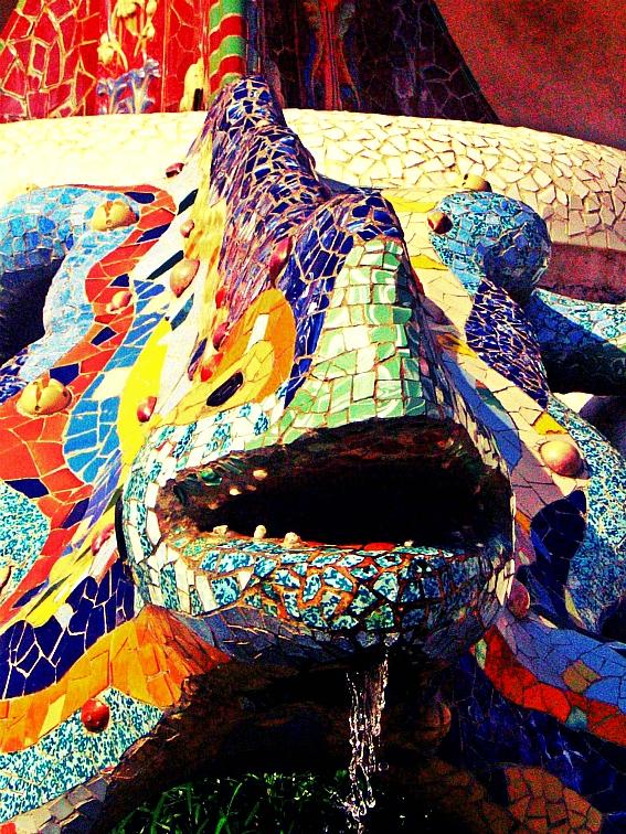 barcelona park güell salamander