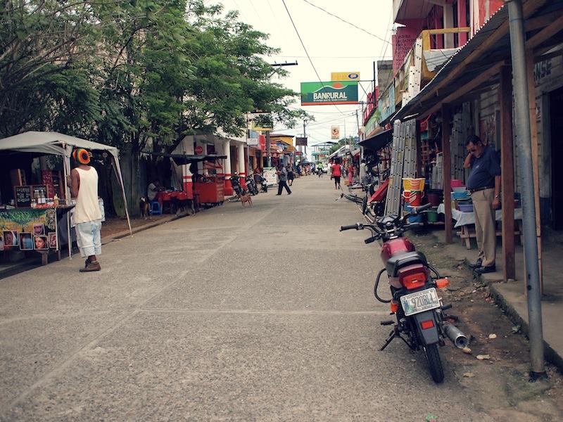 Calle Principal Livingston Guatemala