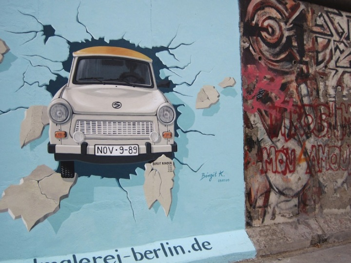 Trabant in East Side Gallery Berlin